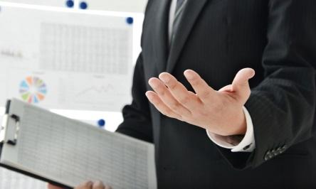 税理士法人 東京事務所長が相続対策を説明する